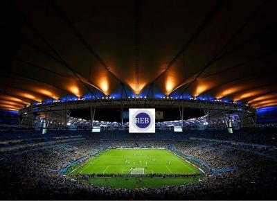 Candidatos do CPRE FL Lotam um Estádio de Futebol
